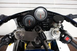 20161002-1992-suzuki-gsxr750-binnacle
