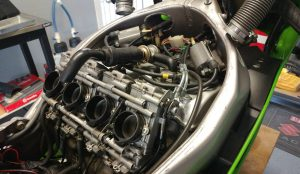 20161026-1992-kawasaki-zx7r-k-right-engine-unfaired