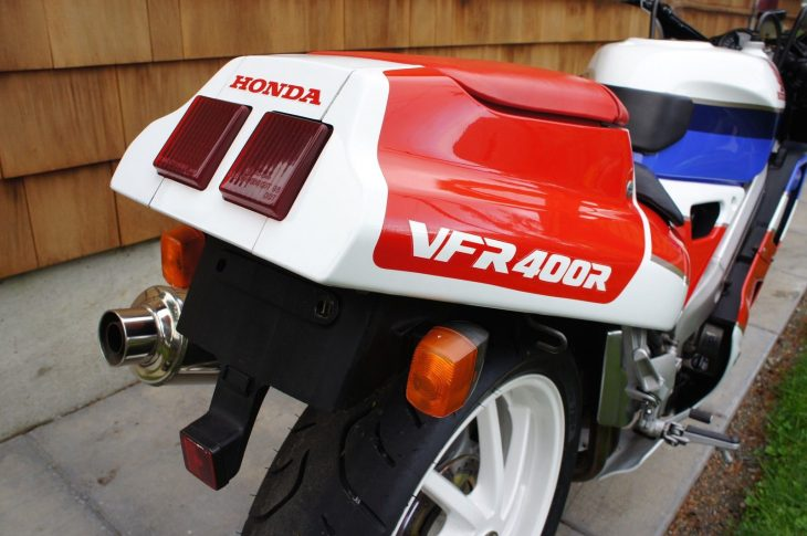 1989-honda-vfr400r-r-side-tail