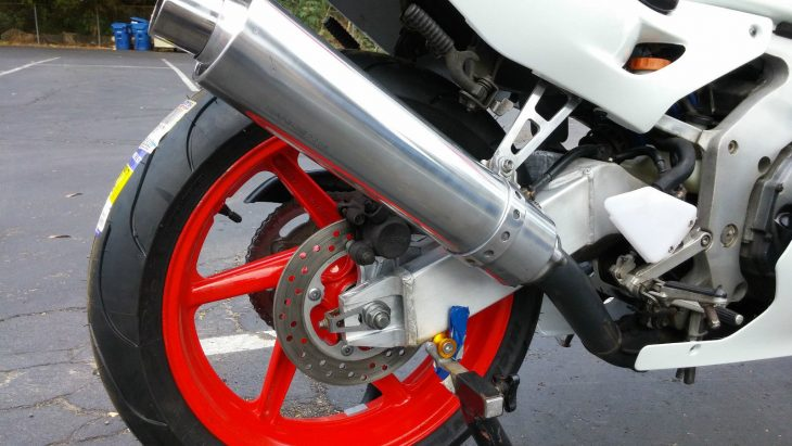 1990-honda-cbr250rr-rear-wheel