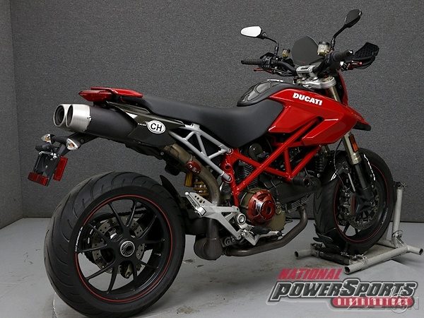 20161120-2008-ducati-hyper-1100s-right-rear