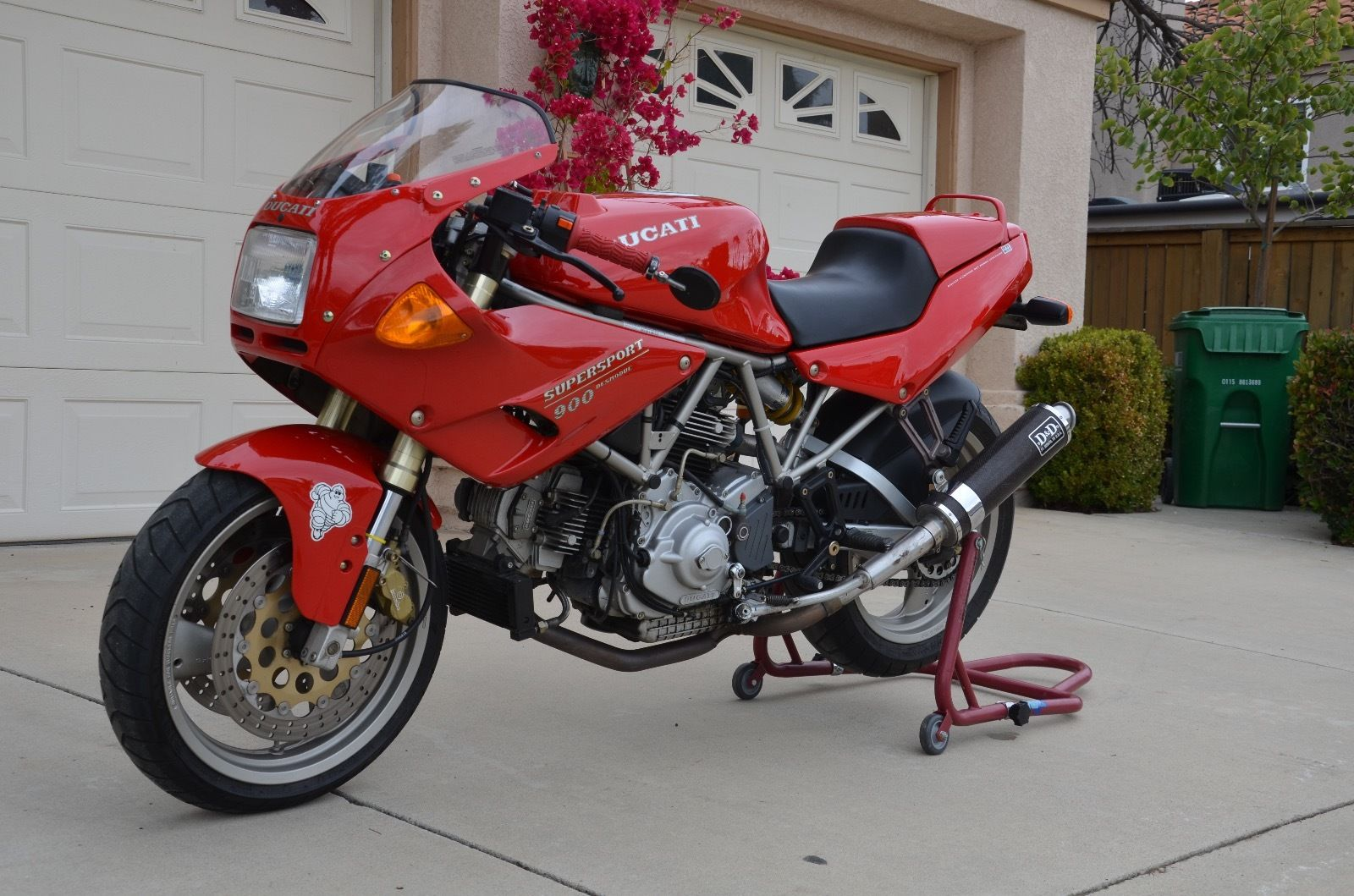 low mileage future classic 1995 ducati 900 ss cr for sale rare sportbikes for sale. Black Bedroom Furniture Sets. Home Design Ideas