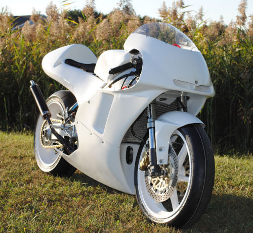 Lightweight Racer: 1998 Honda RS250R for Sale