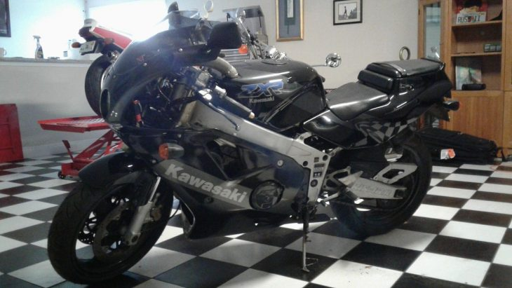 Tad 1990Grey Marketinline FourKawasakiLiquid CooledZXR400