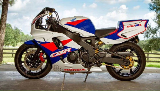 Featured Hot Rod: 1993 Honda CBR900RR / 954RR Hybrid!