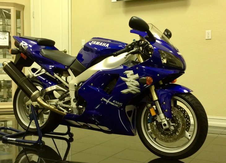 Collector Alert:  1998 Yamaha R1 with 4395 miles