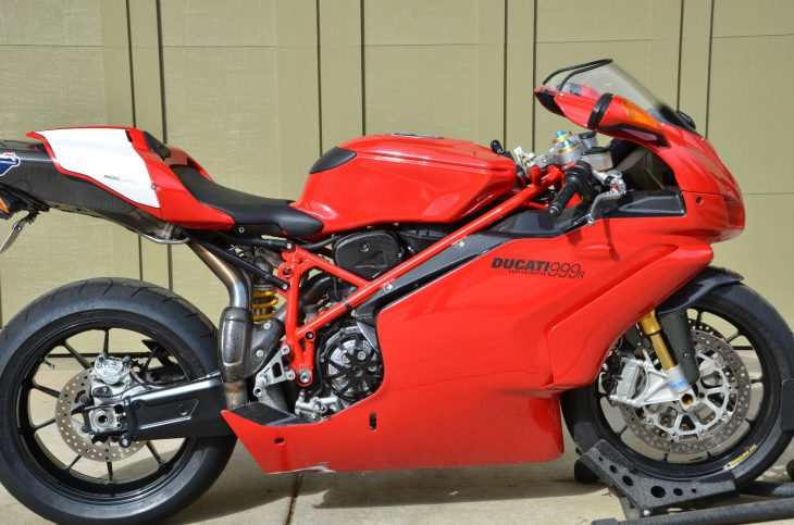 Moving On – 2005 Ducati 999R