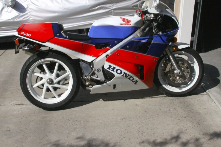 Featured Listing: 1990 Honda RC30!