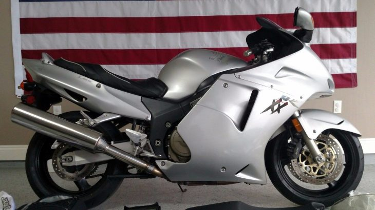 Big Bird: 2002 Honda CBR1100XX