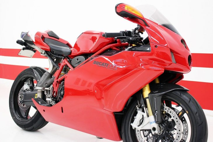 Improving Perfection: 2005 Ducati 999R for Sale