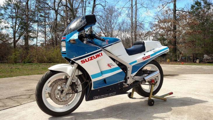 Two stroke restomod: 1986 Suzuki RG500