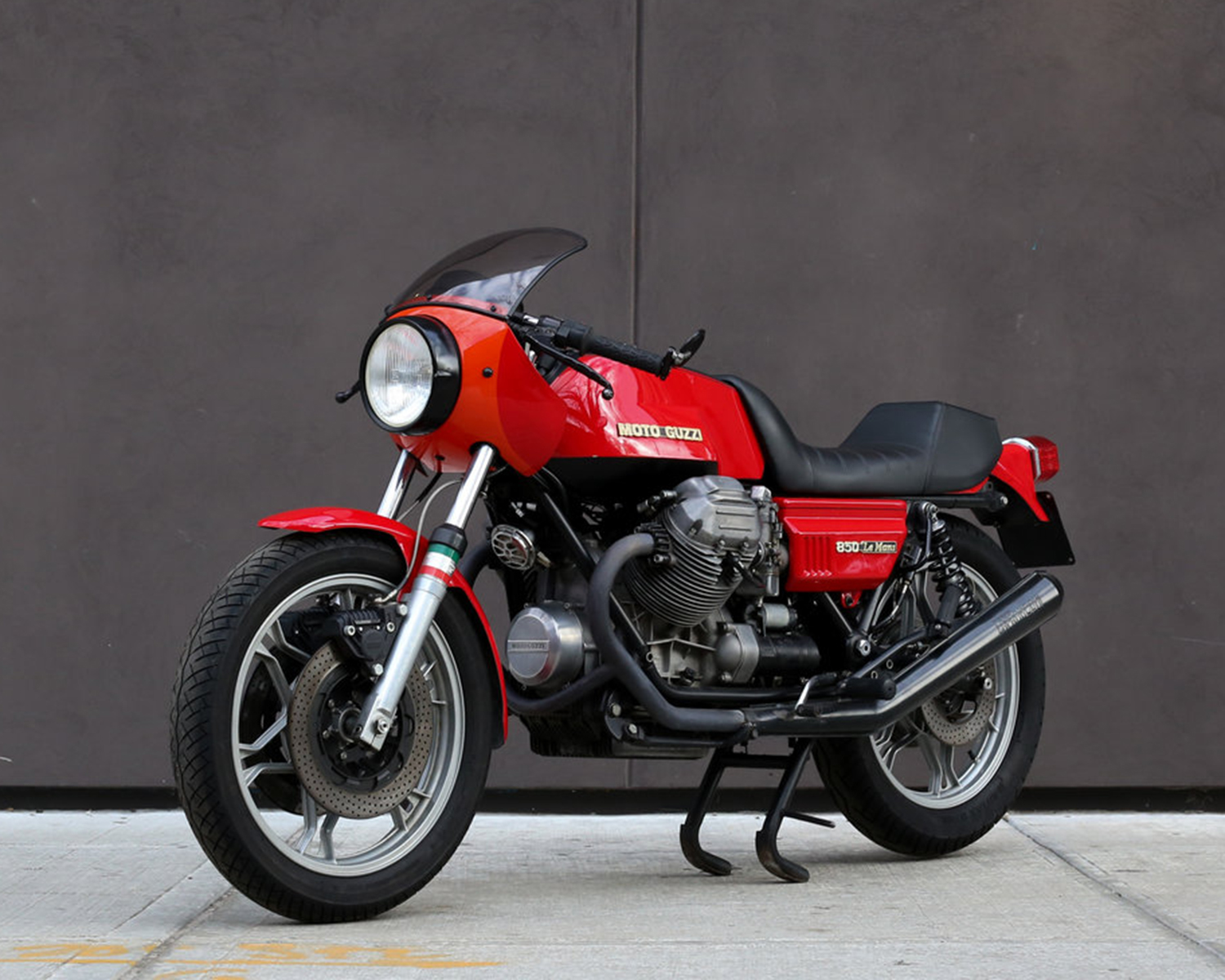 featured listing 1976 moto guzzi 850 le mans for sale rare sportbikes for sale. Black Bedroom Furniture Sets. Home Design Ideas