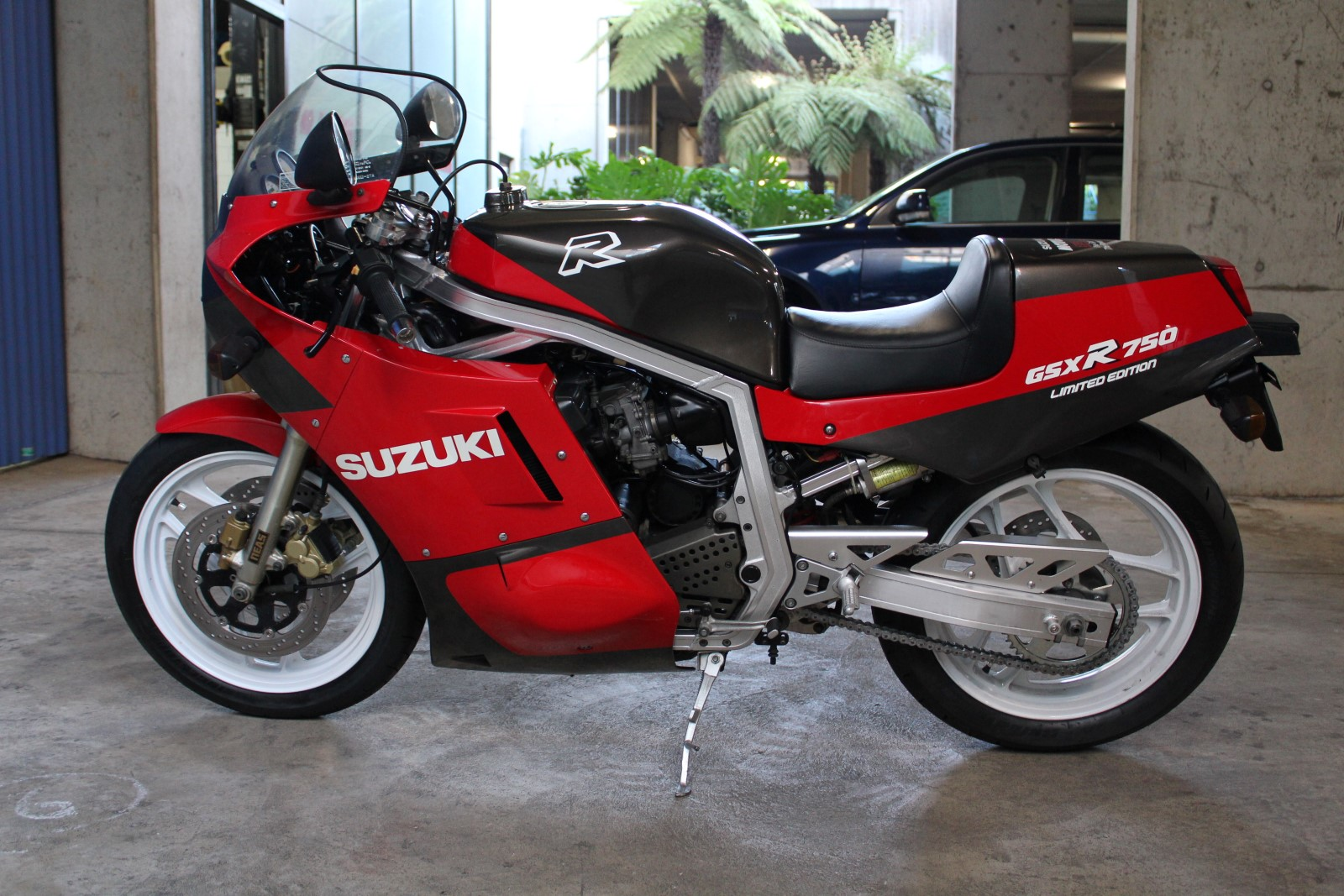1986 Suzkuk GSX-R 750 Limited Edition