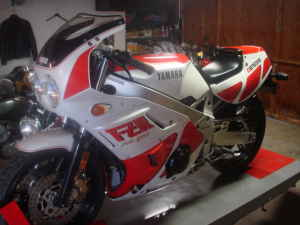 1988 YAMAHA FZR400 For Sale on Craigslist
