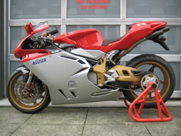 Going For The Gold 2000 Mv Agusta F4 750 Serie Oro Rare Sportbikes For Sale
