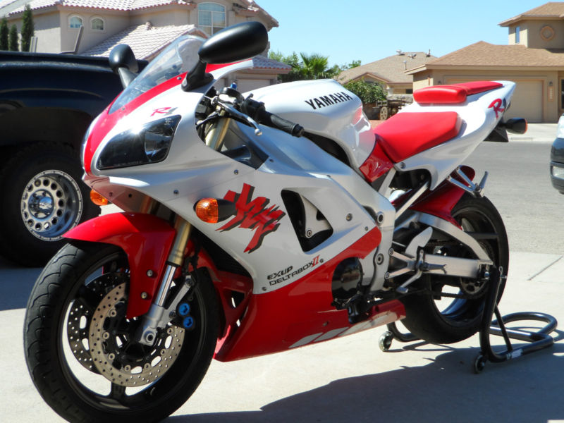 15 Years Old Already?!  1998 Yamaha YZF-R1