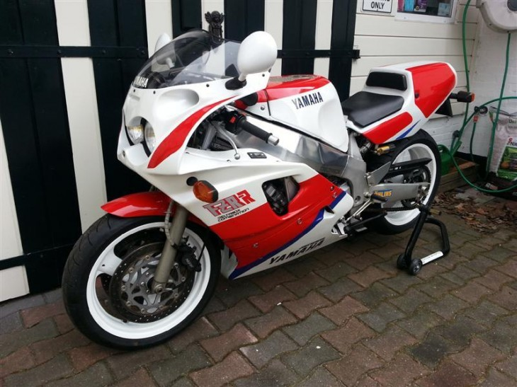 Go for the bike, stay for the tulips: 1990 Yamaha FZR 750RR OW01 in Holland