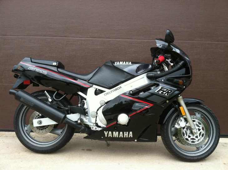 1989 Yamaha FZR600 For Sale