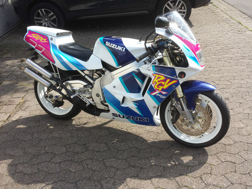 The Return Of The 2 Strokes: 1992 Suzuki RGV 250 (Germany)