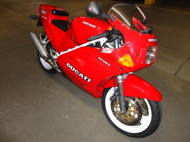 Another Autumn's Best Find: Ducati 851 (Switzerland)