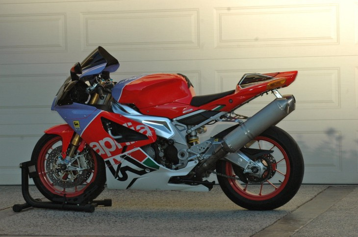First a Haga replica, now a Bol D'or:  2007 Aprilia RSV 1000