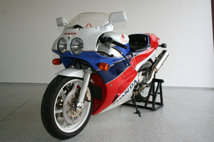 Paging SixthGear, Hwood851, and RC30Freak:  1990 Honda RC30 for sale in Ohio