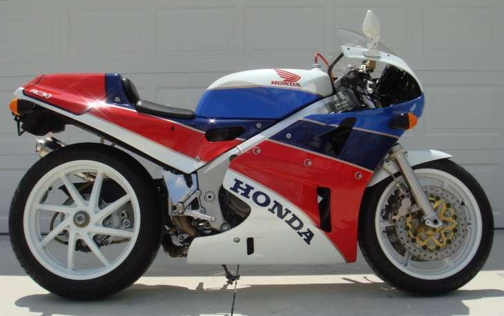 Featured Listing: Exceptional 1990 Honda RC30 for Sale
