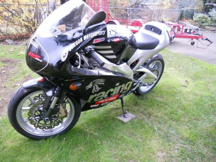 2000 Aprilia RS250 L Side Front