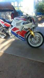 20150407 1989 yamaha fzr 1000 right front