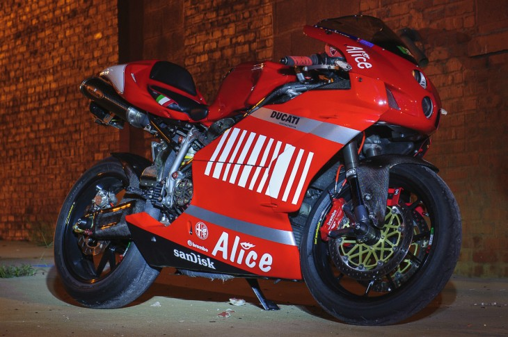 Dressed to the nines – Ducati 999
