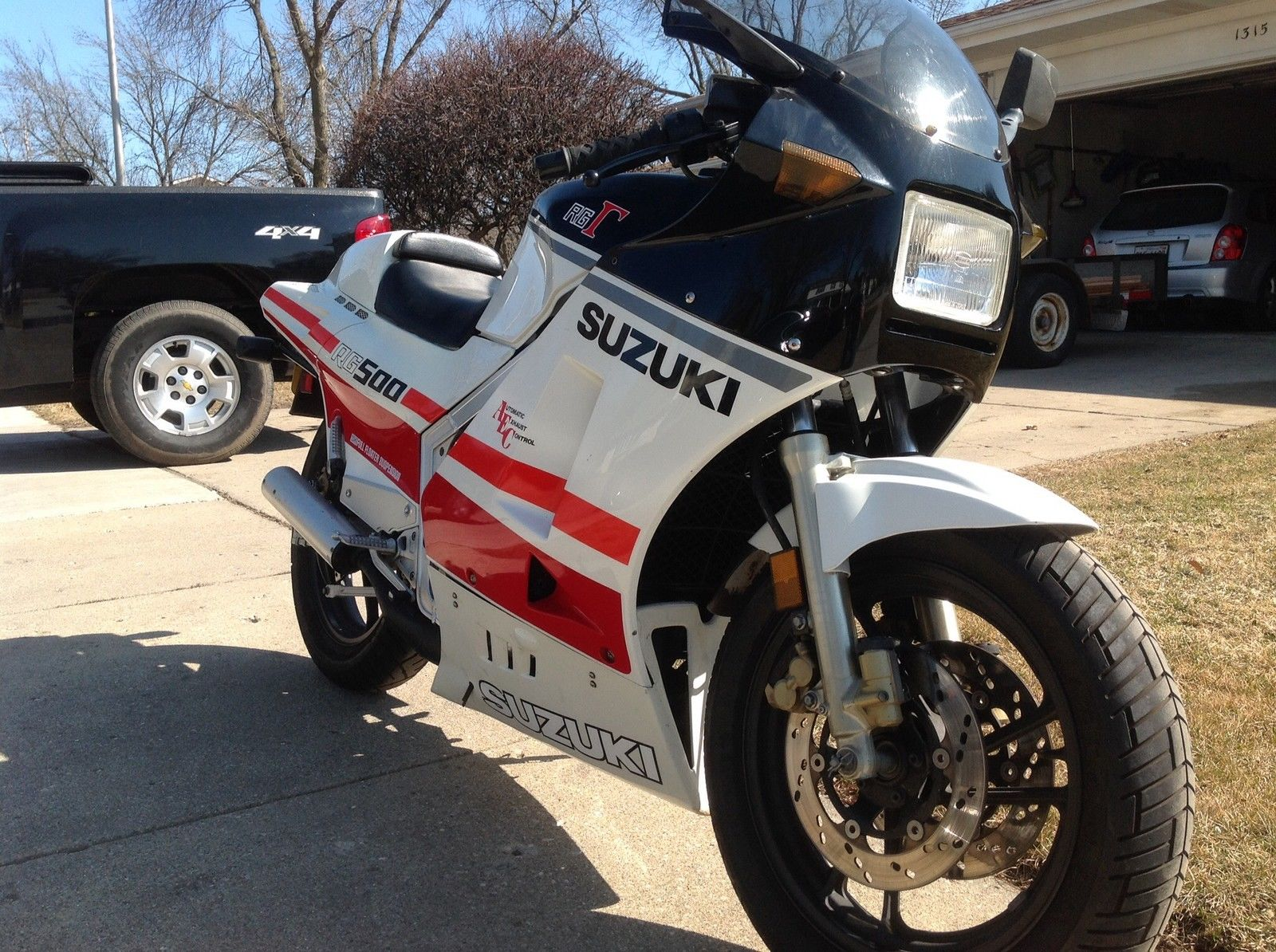 Suzuki Archives Page 22 Of 74 Rare Sportbikes For Sale Moded Bikes Check It Out Here And Let Us Know If You Would Prefer To Park This Rg Or The More Heavily Modified Rzv In Your Garage Man Caveor Both Good Luck