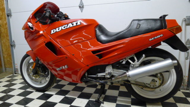 Early Tamburini effort :  1991 Ducati Paso 907 IE