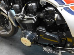 20150507 1984 kawasaki gpz-750 left engine
