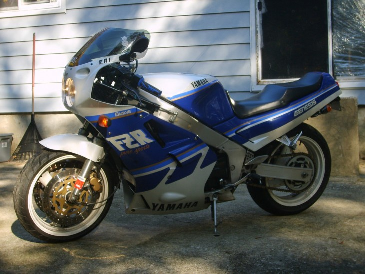 FZR1000_leftside