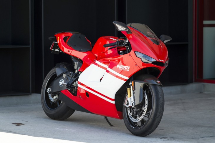 20150627 2008 ducati desmosedici right front