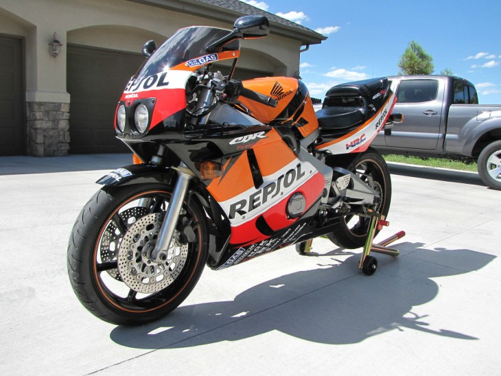 Paging Dr. House – 1991 Honda CBR400RR