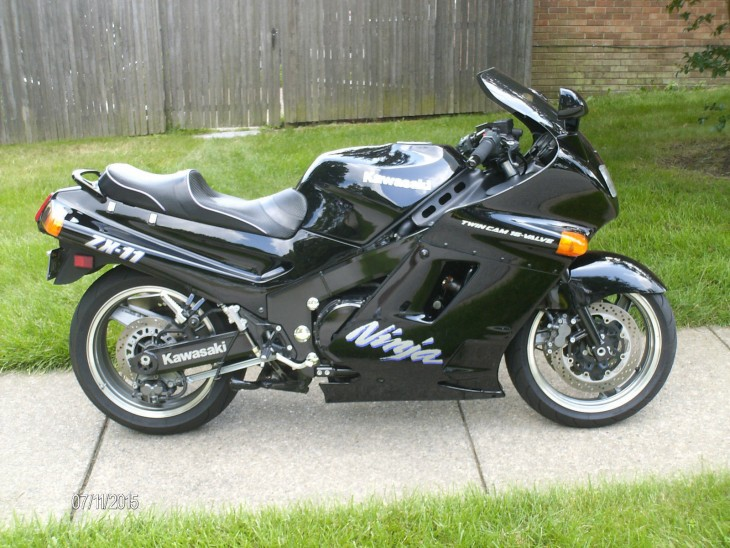Very Clean, Very Fast: 1992 Kawasaki ZX-11 for Sale