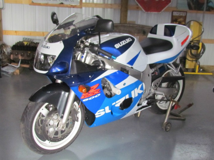 The other GSX-R:  1998 GSX-600R SRAD with 2800 miles