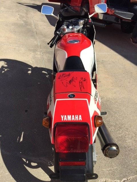 20151003 1988 yamaha fzr400 rear