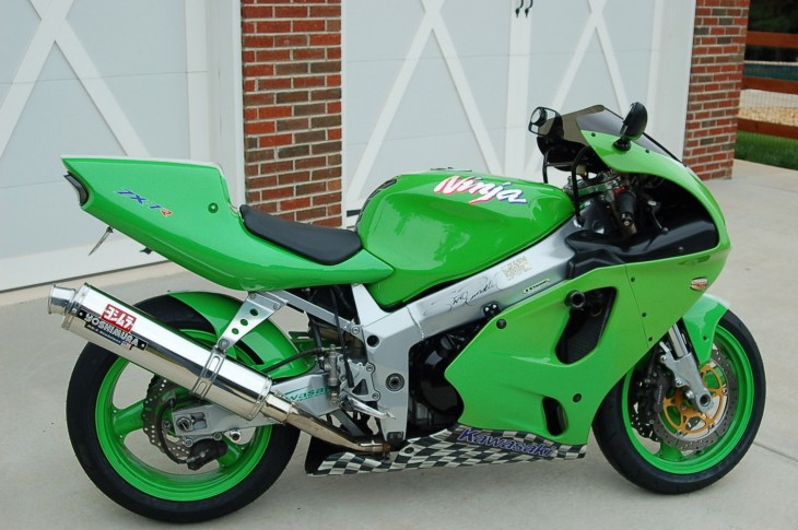 20151029 1996 kawasaki zx-7r right