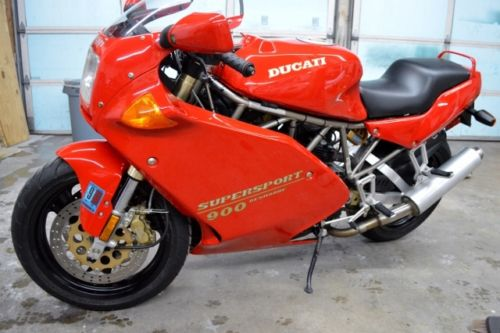 Clean and Collectible: 1993 Ducati 900SS for Sale