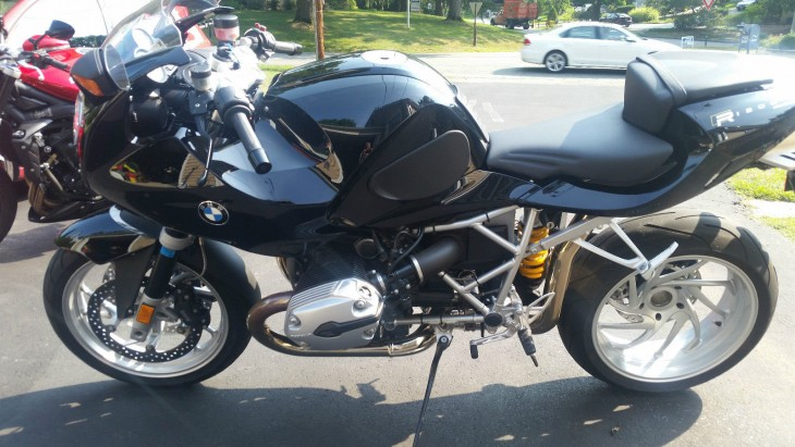 Cloaking Device – 2007 BMW R1200S