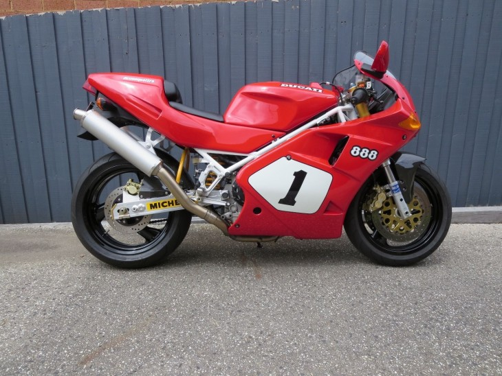 201600302 1992 ducati 888 sp4 right