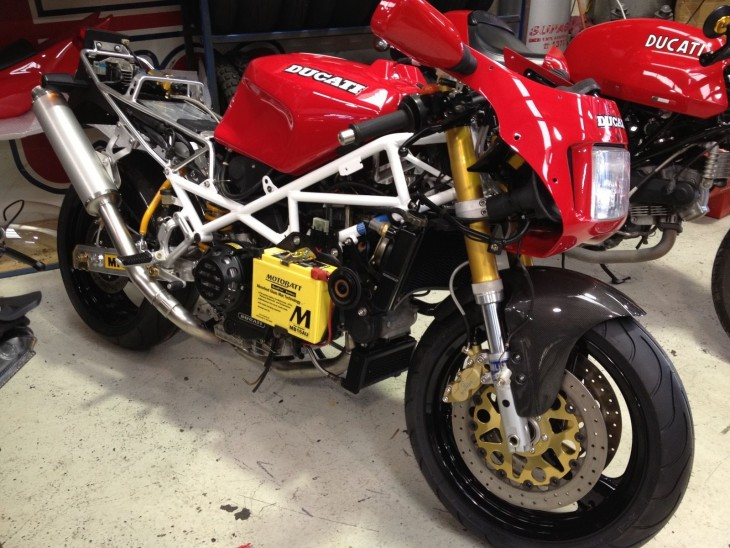 201600302 1992 ducati 888 sp4 right front unfaired