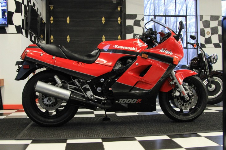 20160307 1986 kawasaki gpz1000r right