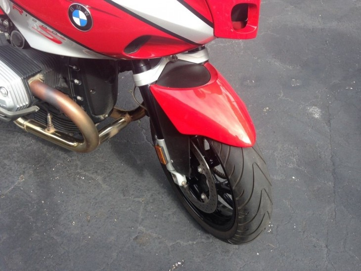20160320 2007 bmw r1200s right front wheel