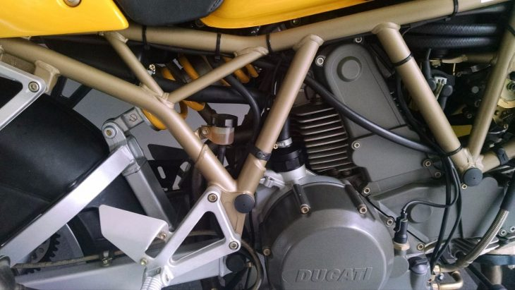 20160517 1999 ducati 750 ss right peg