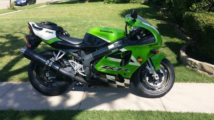 Generation ZX:  2002 Kawasaki ZX7R with 4,380 miles