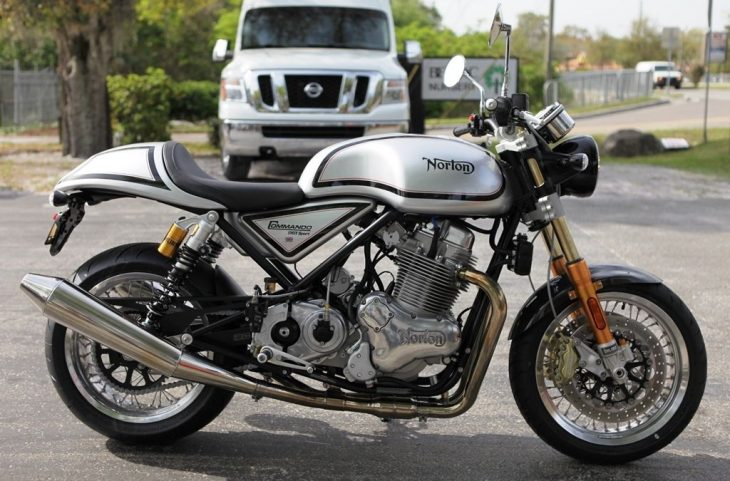 2015 Norton Commando 961 R Side