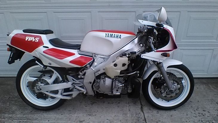 1989 Yamaha TZR250 R Side